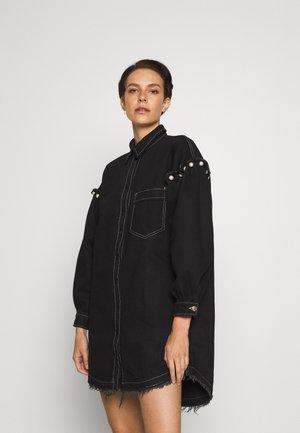 SHIRT DRESS WITH PEARL SHOULDER - Denní šaty - black