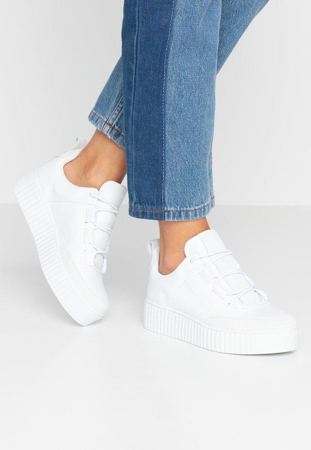 VALIA - Zapatillas - white