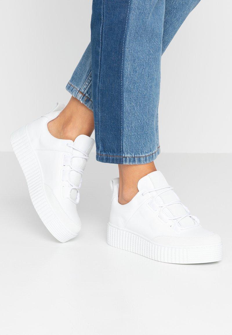 Samsøe Samsøe - VALIA - Sneakersy niskie - white