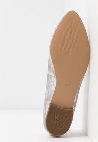 Caprice - Ballet pumps - taupe - 6