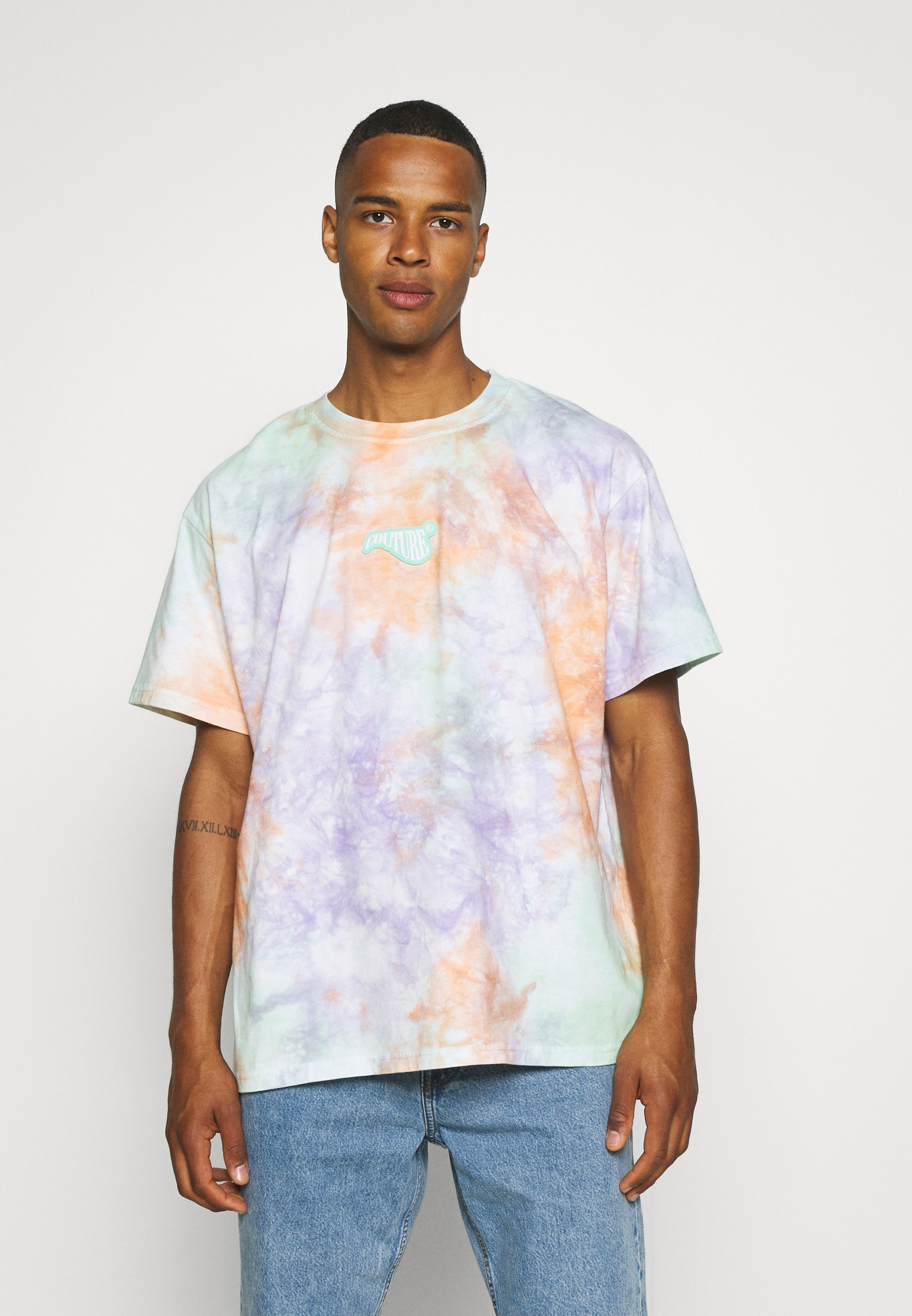 Men RUBBER BADGE TIE DYE - Print T-shirt