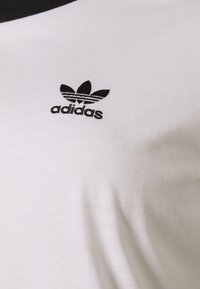 adidas Originals - TEE - Print T-shirt - white/black - 5