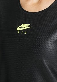 Nike Performance - Triko spotiskem - black/volt - 4