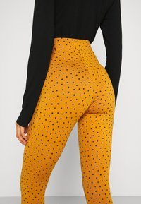 Monki - MEI - Leggings - Trousers - yellow - 4