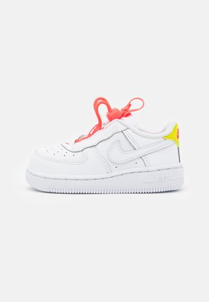 FORCE 1 TOGGLE UNISEX - Trainers - white/bright crimson/high voltage