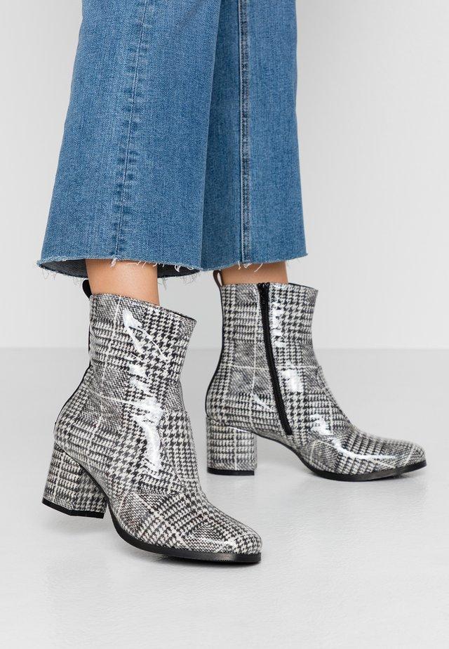 Korte laarzen - galles nero
