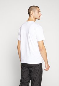 Russell Athletic Eagle R - SCOTT - T-shirt con stampa - white - 2