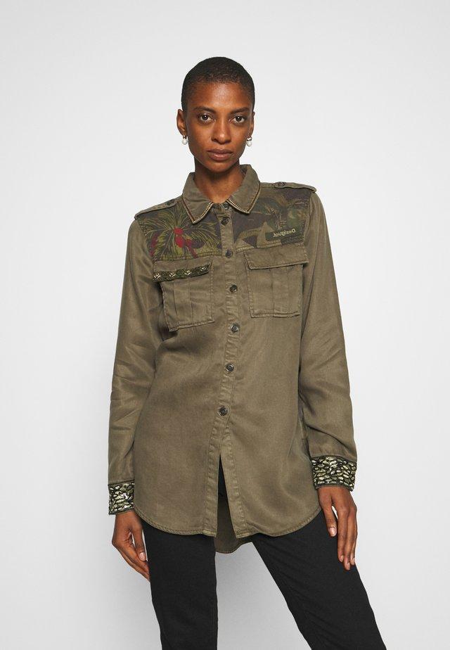 CAMOFLOW - Button-down blouse - caqui