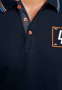 TOM TAILOR - DECORATED TEAM - Poloshirts - sky captain blue - 6
