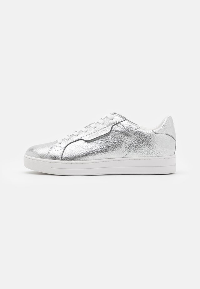 KEATING LACE UP - Baskets basses - silver