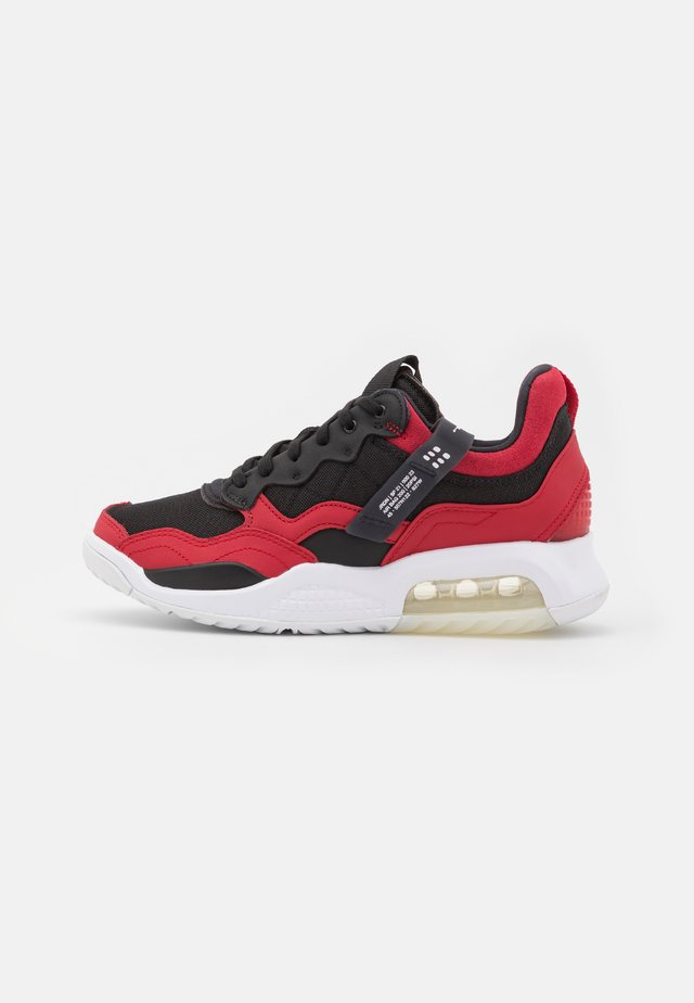 MA2 - Sneakers laag - gym red/black/white