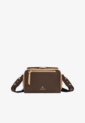 Across body bag - java brown
