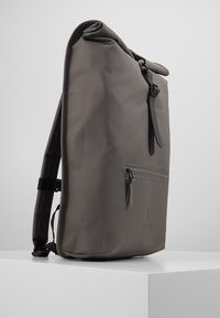 Rains - ROLL TOP - Mochila - charcoal - 4