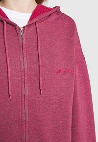 BDG Urban Outfitters - ZIP THROUGH HOODIE - Sweat à capuche zippé - raspberry - 6