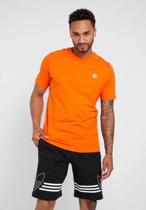 ADICOLOR ESSENTIAL TEE - Camiseta estampada - orange