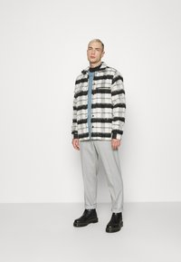 Topman - GRY PRONOUNCED RELAXED - Bukser - grey - 1