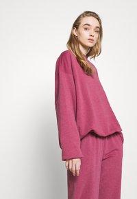 BDG Urban Outfitters - CREWNEWCK  - Sweatshirt - raspberry - 4