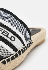 KARL LAGERFELD - KAMINI SLIDE - Mules - white/black - 6