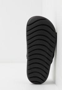 Nike Performance - Outdoorsandalen - black/white - 5