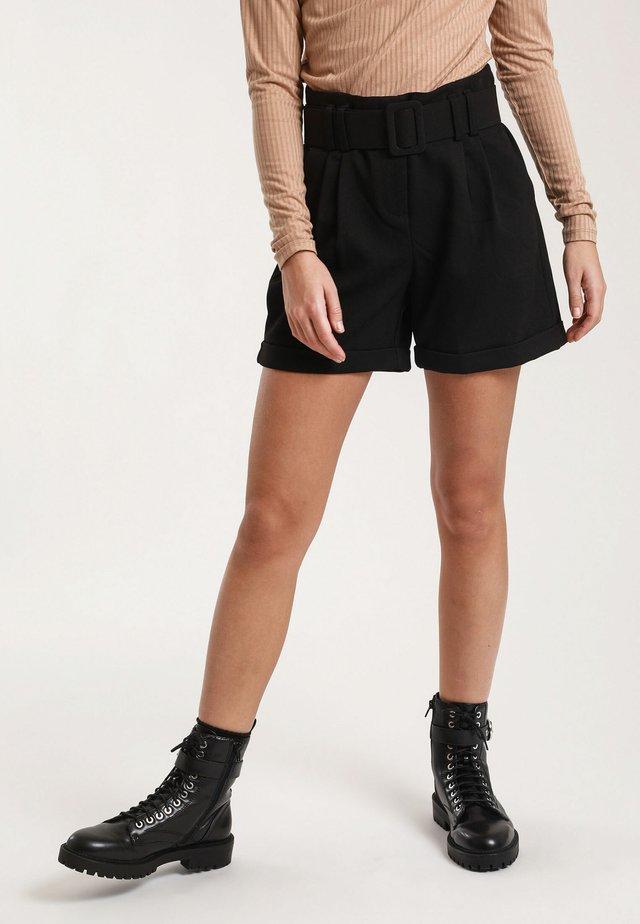 MIT GÜRTEL - Shorts - black