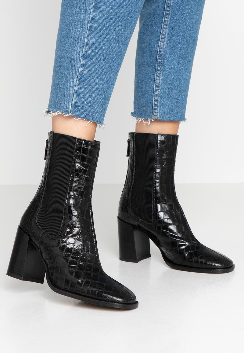 Topshop - HUNTINGTON BOOT - Classic ankle boots - black
