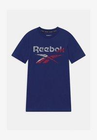 Reebok - STRIATED CLASSIC  - Camiseta estampada - navy - 0