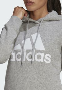 adidas Performance - ESSENTIALS LOGO FLEECE HOODIE - Felpa con cappuccio - grey - 4