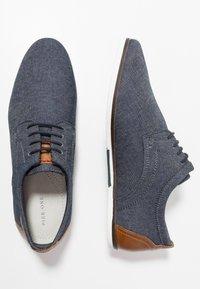 Pier One - Zapatos con cordones - denim - 1