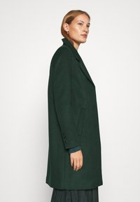 Selected Femme - SLFSASJA COAT - Klasický kabát - green gables - 3