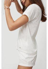 O'Neill - Basic T-shirt - powder white - 3