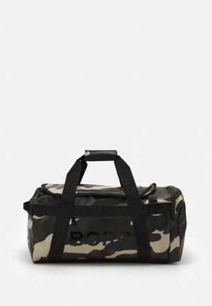 DUFFEL - Cestovní taška - mottled olive