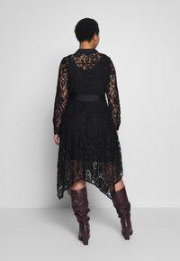 Live Unlimited London - HANKY HEM DRESS - Vestido camisero - black - 2