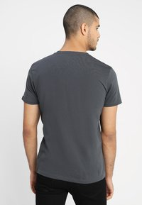 Alpha Industries - Print T-shirt - grey - 2