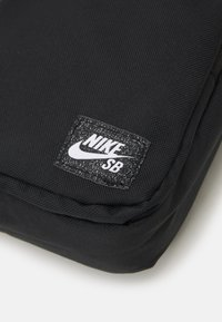 Nike SB - HERITAGE CROSSBODY UNISEX - Across body bag - black/white - 3