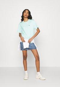 Lacoste - Basic T-shirt - seringat - 1
