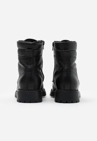 Anna Field - LEATHER ANDREAS - Šněrovací kotníkové boty - black - 3