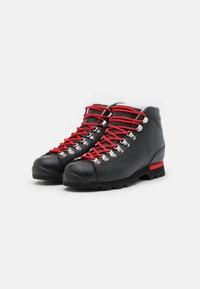 Scarpa - PRIMITIVE UNISEX - Hiking shoes - black/red - 1