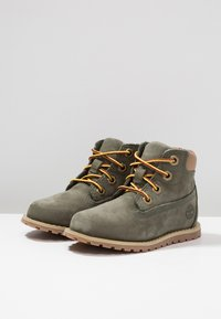 Timberland - CASUAL POKEY PINE 6IN BOOT WITH SIDE ZIP - Veterboots - dark green - 3