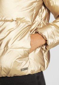 Roxy - CROSS STEPPING - Winter jacket - gold - 6