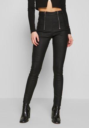 JAMEISON PANT - Spodnie materiałowe - black