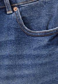 PULL&BEAR - Jeansshorts - dark blue - 5