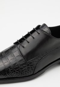 Roberto Cavalli - Derbies - black - 5