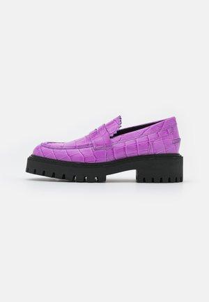 LOAFER - Slippers - lavender