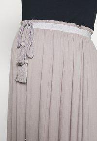 Mara Mea - Długa spódnica - light grey - 6
