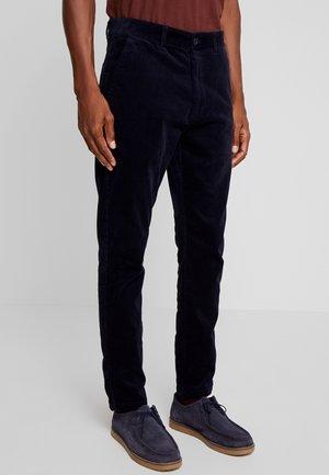 SLIM BARRO - Trousers - insignia