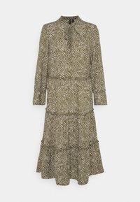 Vero Moda - VMFELICITY 7/8 CALF DRESS  - Vestido informal - ivy green/felicity - 4