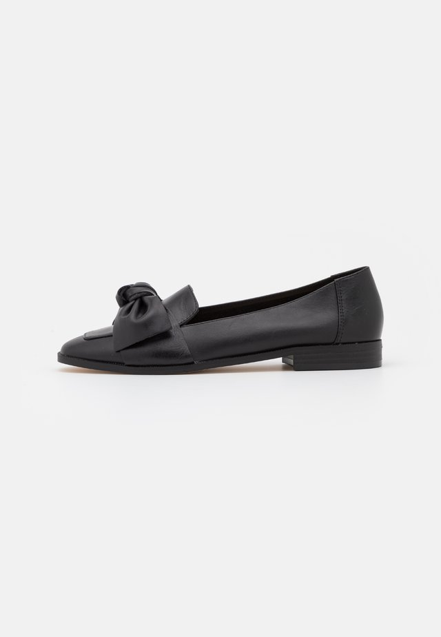 FLURRY BOW LOAFER - Instappers - black