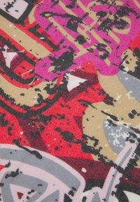 Codello - LEPARD GRAFITTI BRUSHED - Scarf - dark pink - 2