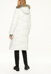 comma - Down coat - white - 2