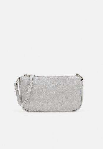 MELISSA BAG - Bolso de mano - silver